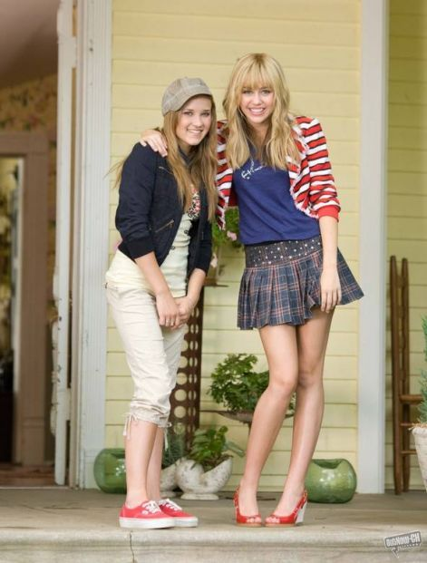 miley-cyrus_com-hannahmontanathemovie-set003.jpg